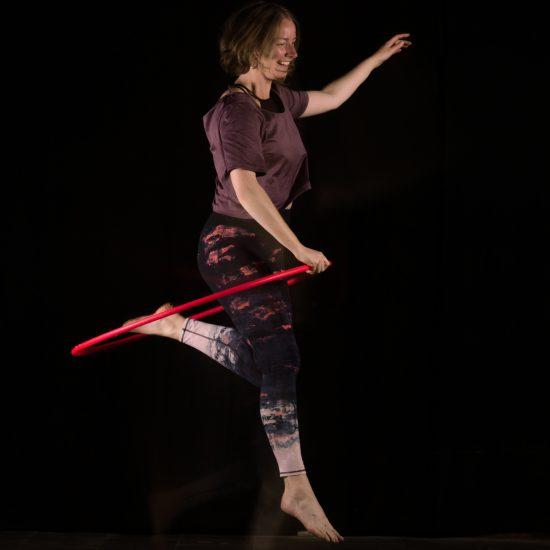 De Hoepeljuf Nijmegen - hoopdance school - Marina de Jong - hoepelen - hoopdance inspiratie filmpjes blog